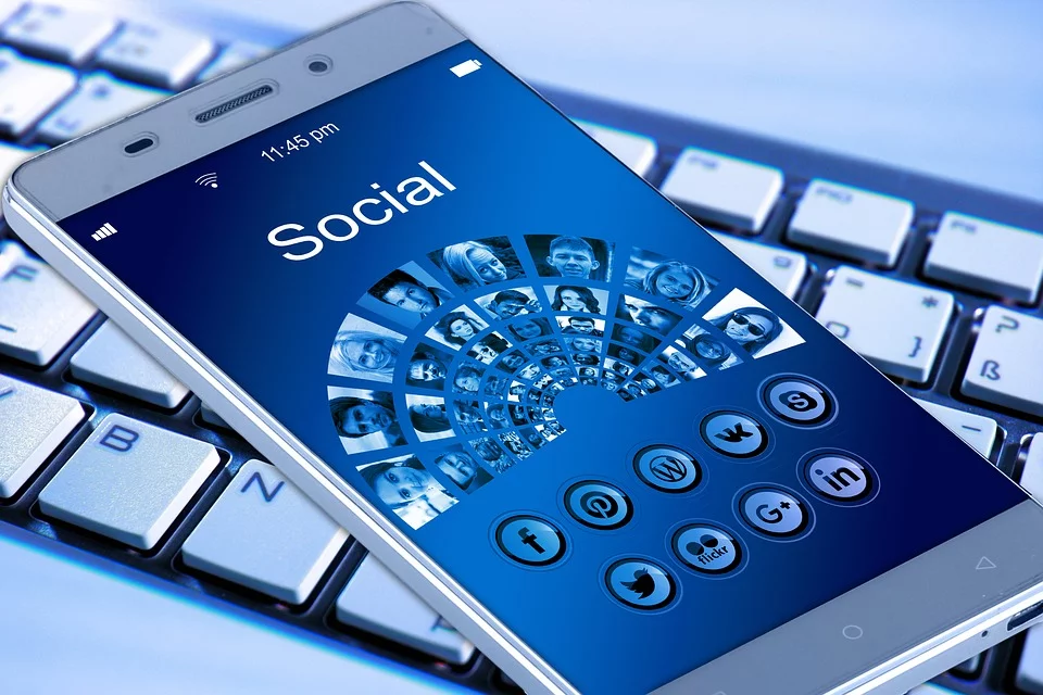 make sure you be mobile friendly in social media marketing